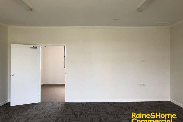 (L) Unit 3, 146 Lake Road Port Macquarie NSW 2444 - Image 4