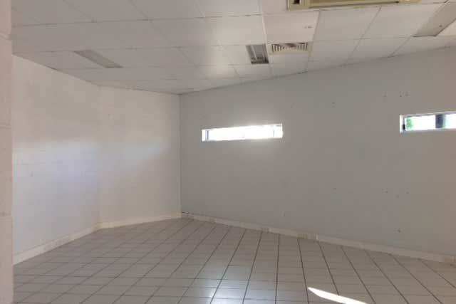 2/5 Mangrove Road Mackay QLD 4740 - Image 3