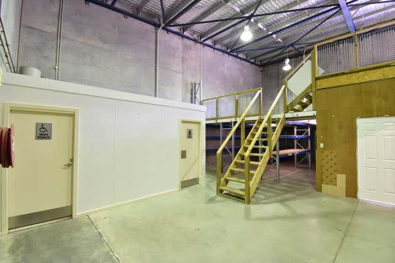 2/44-46 Medcalf Street Warners Bay NSW 2282 - Image 4