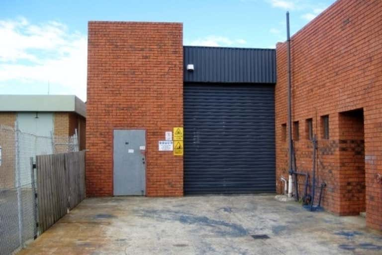 2/11 Wise Avenue Seaford VIC 3198 - Image 3