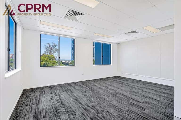 15/7 O'Connell Terrace Bowen Hills QLD 4006 - Image 2