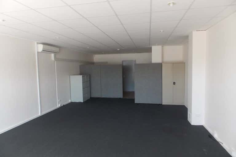 9/478 William Street Perth WA 6000 - Image 2