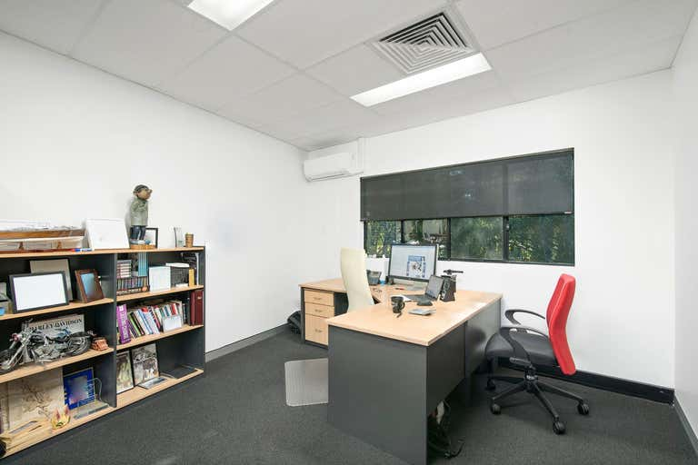 Quality fit out office space. - Image 4