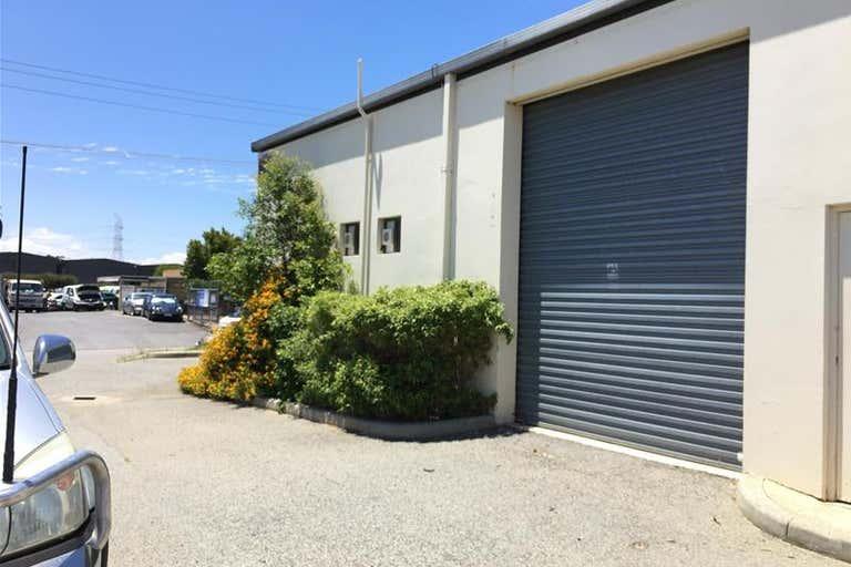 16 Runyon Road Midvale WA 6056 - Image 2