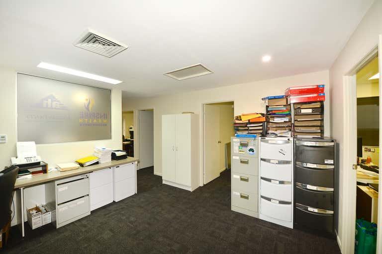 Suite 4/66 Poinciana Avenue Tewantin QLD 4565 - Image 2