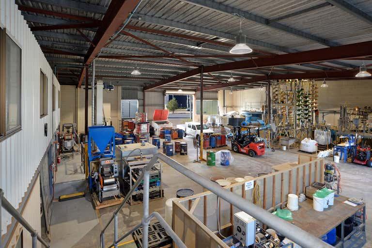 28 Staple Street Seventeen Mile Rocks QLD 4073 - Image 3