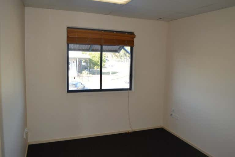 4/2 East Fortune Street Coomera QLD 4209 - Image 2