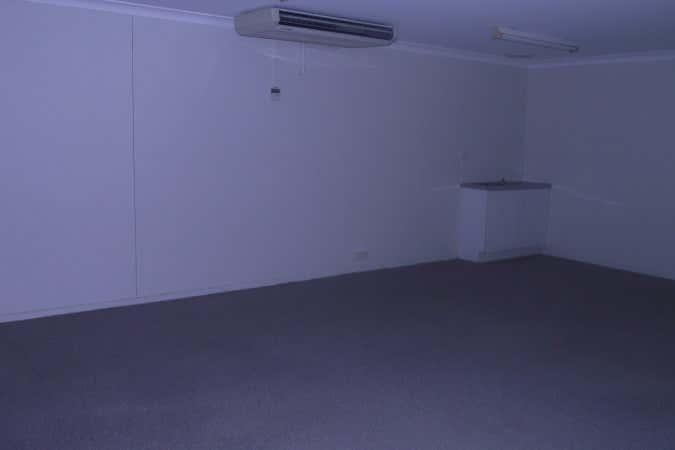 Shop 4 99 Musgrave Street Berserker QLD 4701 - Image 4