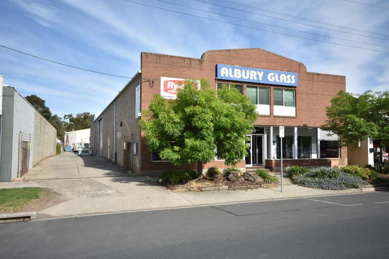 393 Townsend Street Albury NSW 2640 - Image 2
