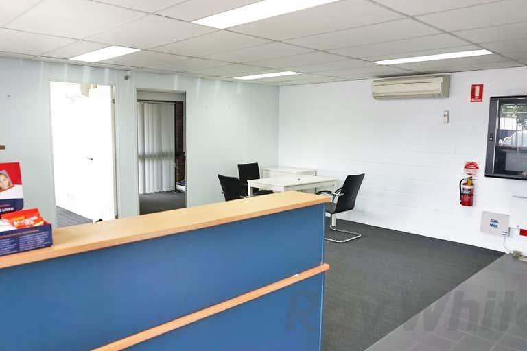 22 Devlan Street Mansfield QLD 4122 - Image 2