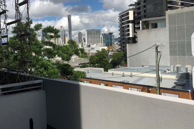 3.1, 05 Kyabra Street Newstead QLD 4006 - Image 3