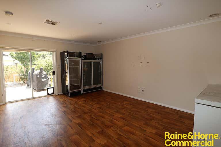 1/82 Thorne Street Wagga Wagga NSW 2650 - Image 3