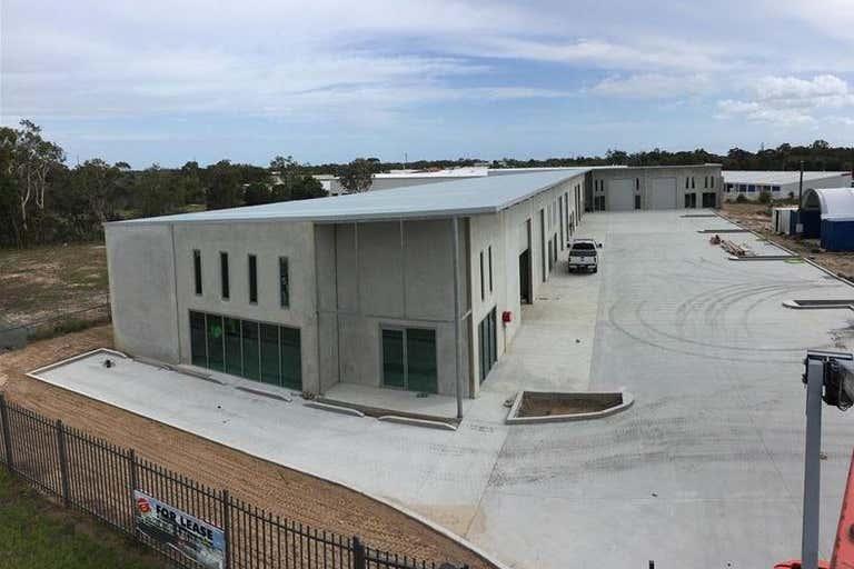 5/38 Southern Cross Circuit Urangan QLD 4655 - Image 2