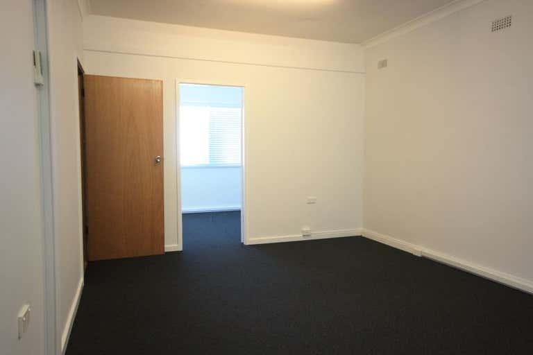 Level 1, 4/106 John Street Singleton NSW 2330 - Image 3