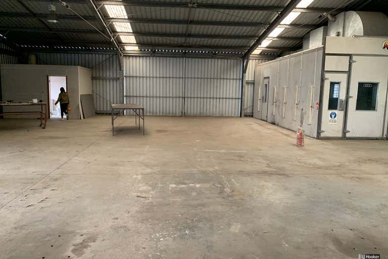 2/15 Lawson Crescent Coffs Harbour NSW 2450 - Image 2