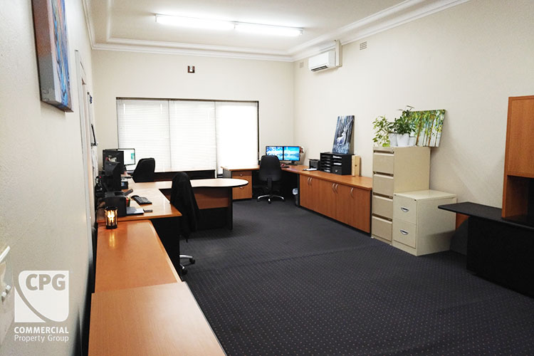 2/423 King Georges Road Beverly Hills NSW 2209 - Image 2