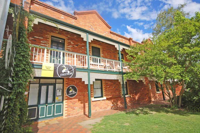 Level 1, D/556 Macauley Street Albury NSW 2640 - Image 1