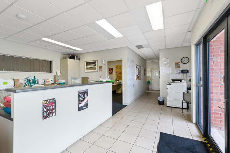 SHED B, 236- 238 Lion Creek Road West Rockhampton QLD 4700 - Image 3