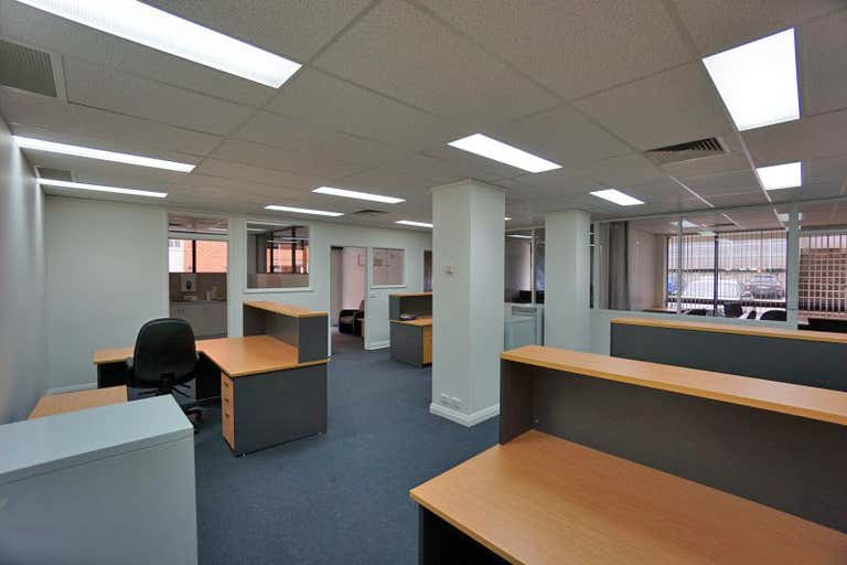 Suite 4/558 Kiewa Street Albury NSW 2640 - Image 2