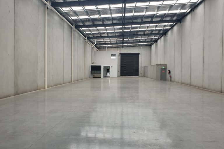 2/7 NETWORK DRIVE Carrum Downs VIC 3201 - Image 2