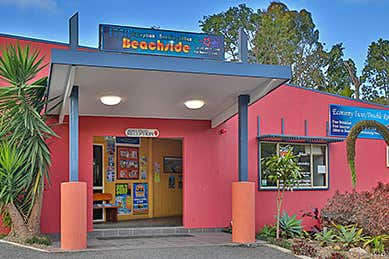 YHA BACKPACKERS, 1/52 Captain Cook Drive Agnes Water QLD 4677 - Image 1