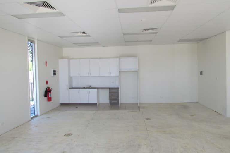 Shop 1, 39 Toolooa Street South Gladstone QLD 4680 - Image 3