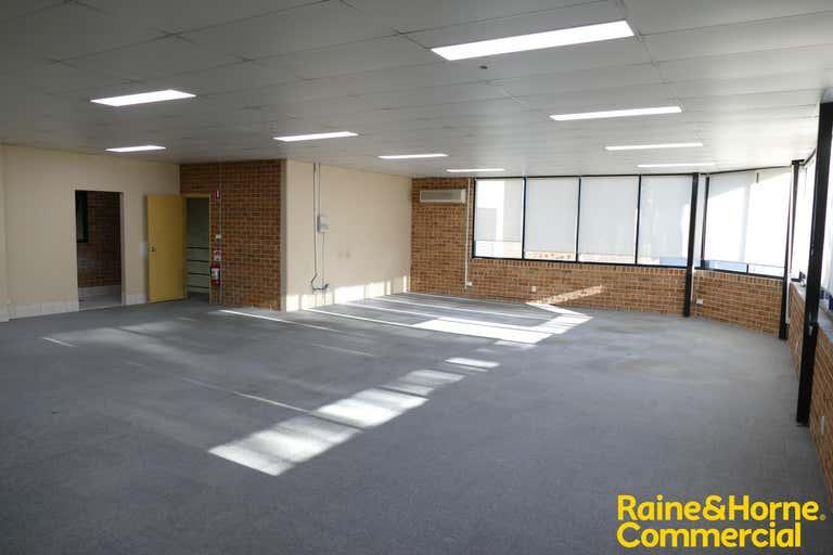 1/11 Shaw Road Ingleburn NSW 2565 - Image 3