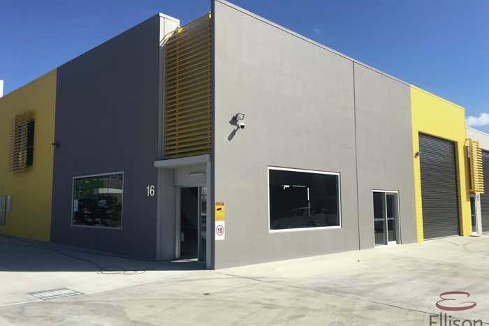 3/15 Sinclair Street Arundel QLD 4214 - Image 4