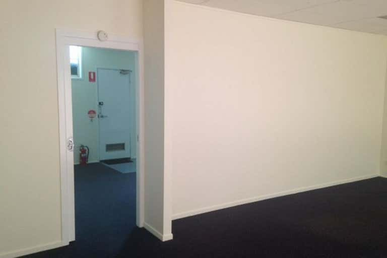 Suite 7, 28 Bell Street Toowoomba City QLD 4350 - Image 2