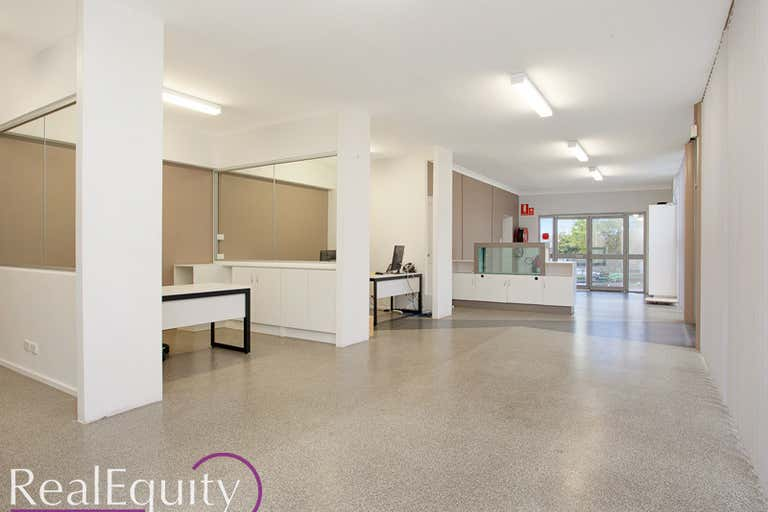 6/5 Cary Grove Minto NSW 2566 - Image 3