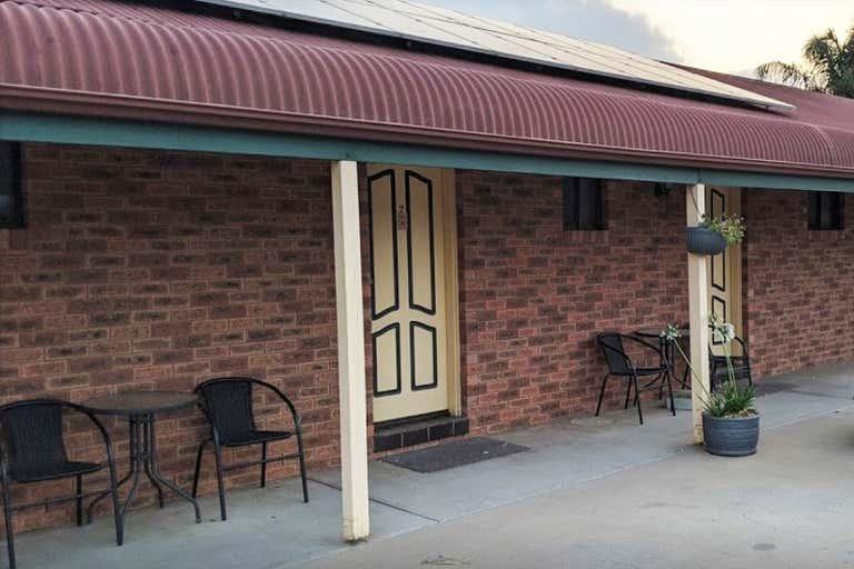 Finley Palm Motor Inn, 2-10 Berrigan Street Finley NSW 2713 - Image 3