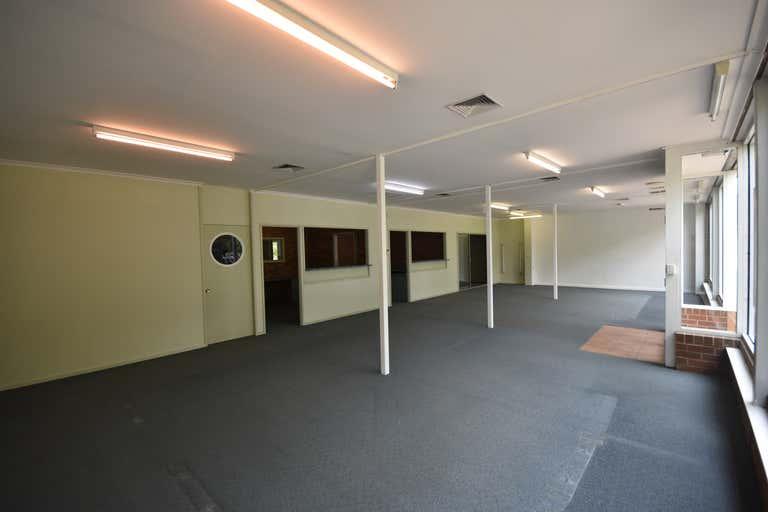 393 Townsend Street Albury NSW 2640 - Image 3