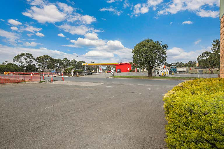 9 Parkinson Street Colac East VIC 3250 - Image 2