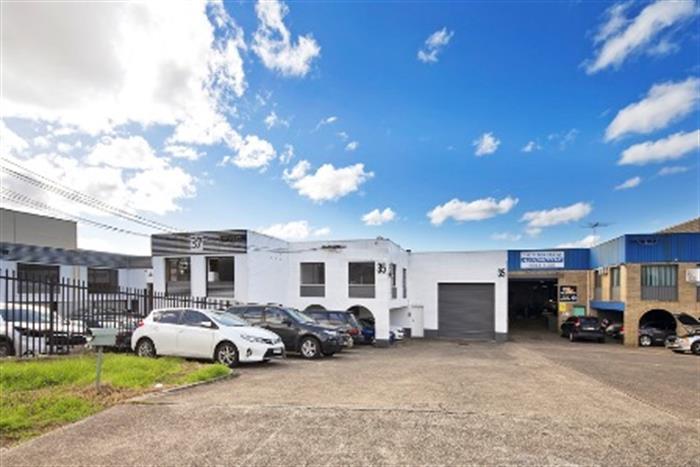 35 Parraweena Road Caringbah NSW 2229 - Image 2