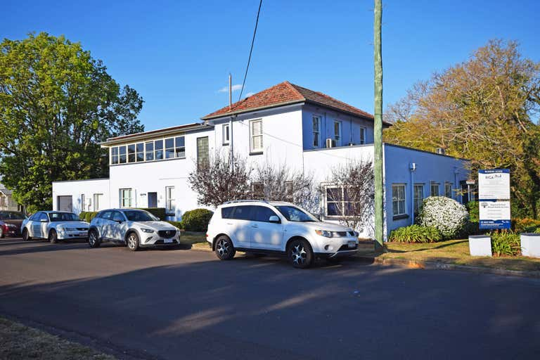 137 Russell Street - Suite 3 Toowoomba City QLD 4350 - Image 1