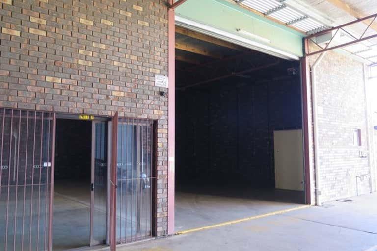 7/3-5 Nesbitt Street Wagga Wagga NSW 2650 - Image 2
