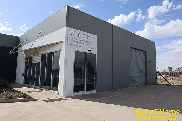 7/181 Hammond Avenue Wagga Wagga NSW 2650 - Image 2