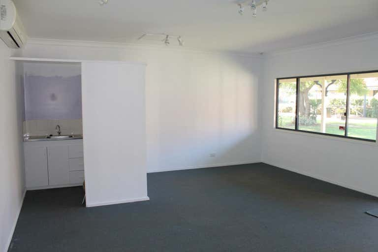 Suite 4, 10476 New England Highway Highfields QLD 4352 - Image 2