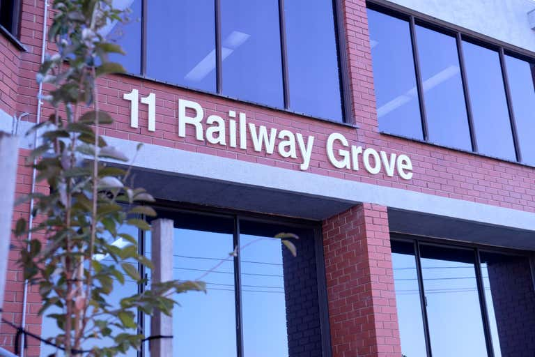 Level Ground Flo, 1 & 2/11 Railway Grove Mornington VIC 3931 - Image 1