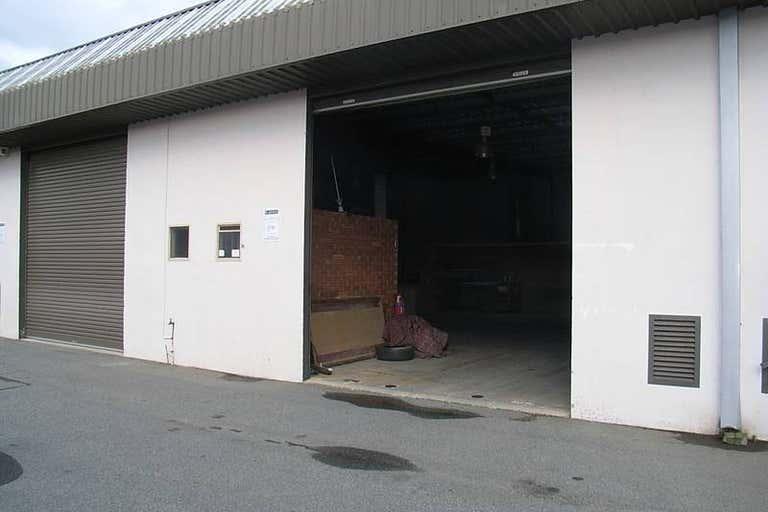 4/6 Elmsfield Rd Midvale WA 6056 - Image 3