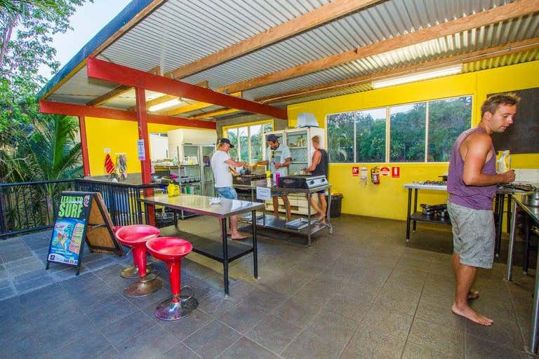 YHA BACKPACKERS, 1/52 Captain Cook Drive Agnes Water QLD 4677 - Image 2
