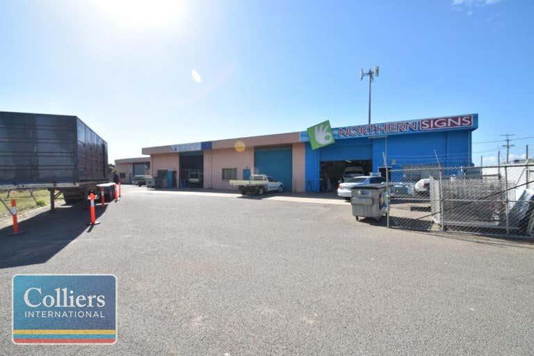 2/2 Whitehouse Street Garbutt QLD 4814 - Image 1