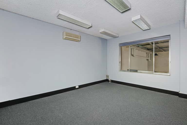 2/35 King Road Hornsby NSW 2077 - Image 3