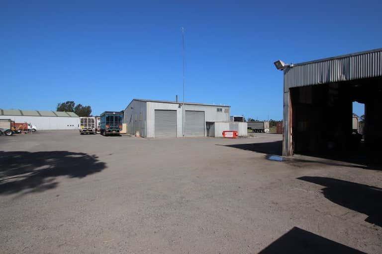 35 West Dapto Road Kembla Grange NSW 2526 - Image 1