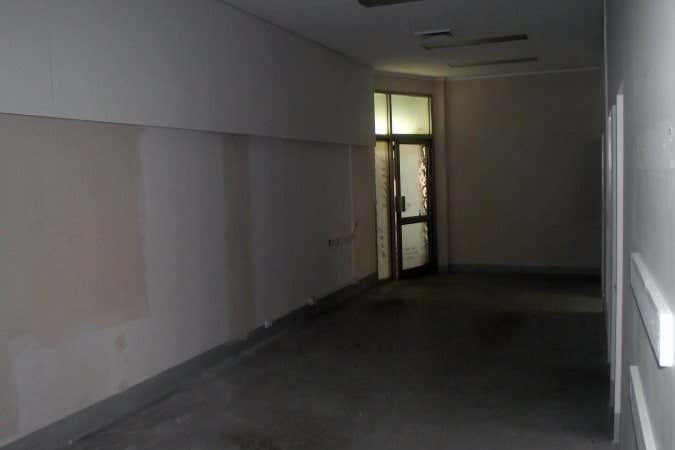 ANZAC HOUSE, 2/6 Archer Street Rockhampton City QLD 4700 - Image 3