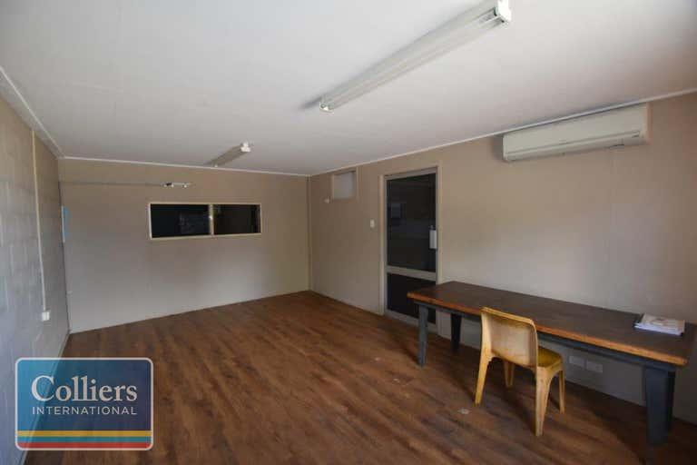 2/2 Whitehouse Street Garbutt QLD 4814 - Image 3