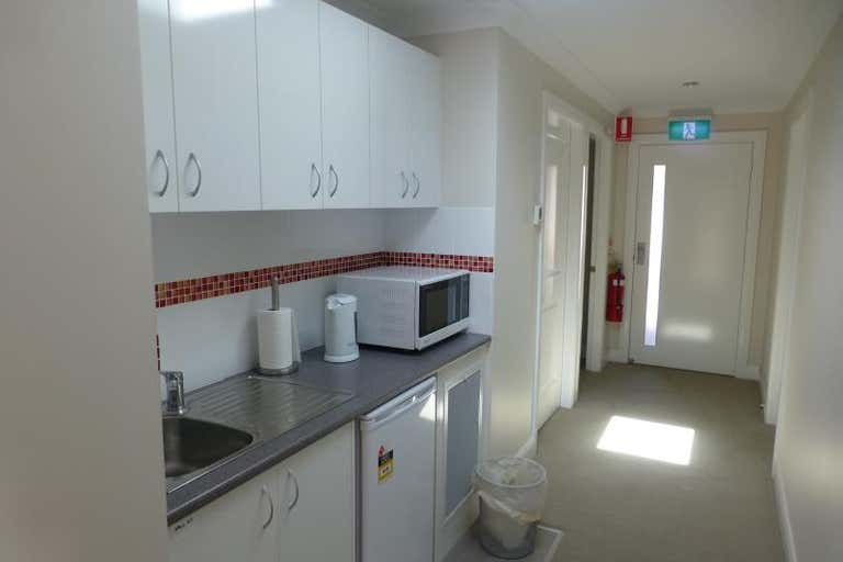 Suite  1, 3 Hampden Avenue Orange NSW 2800 - Image 4
