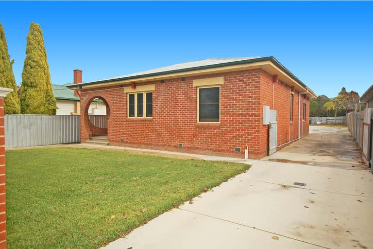 839 David Street Albury NSW 2640 - Image 2