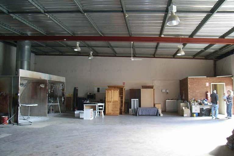 4/6 Elmsfield Rd Midvale WA 6056 - Image 1