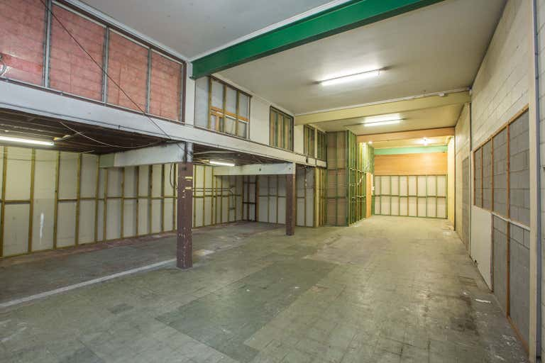 2W/131 Currie Street Nambour QLD 4560 - Image 2